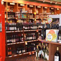 Fin Liquor Store logo